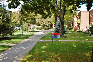 Affordable East Side Townhouse Condo Windsor Region Ontario image 2