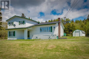 Tidy 6 bdrm/3 bath home with over 3200 sq ft of space