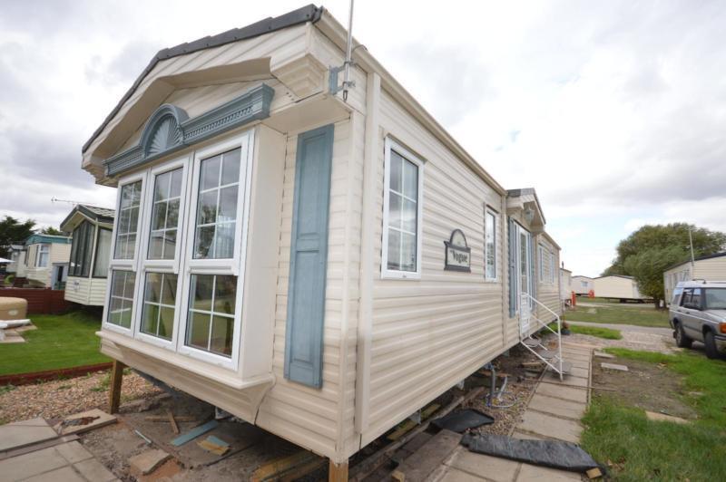 Static Caravan Steeple, Southminster Essex 2 Bedrooms 6 Berth Willerby Vogue