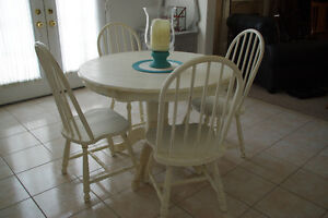 Old White Round Table and 4 Chairs - REAL WOOD!