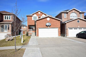 FOR SALE: 935 Winterton Way, Mississauga