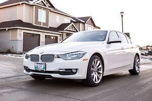 2014 BMW 320i XDRIVE(AWD)-Clean Title/ Immaculate/1 TAX
