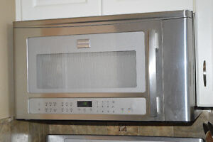 Fridgidaire Professional Series Microwave Oven