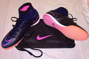 I am selling a brand new futsal soccer shoes