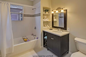 NEW! NEW! NEW!   And Just $ 194,900! London Ontario image 9