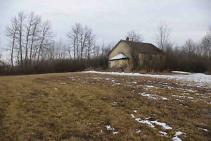 2 Acre property near Thorhild - ready for weekend getaway!