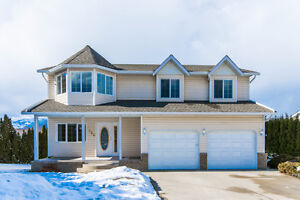 1960 2 Avenue, NE Salmon Arm- Large Family Home