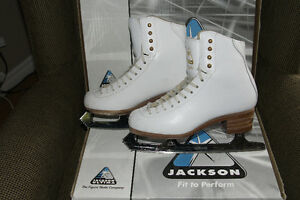 Figure Skates - Ladies size 5.5 B, Jackson Freestyle Peterborough Peterborough Area image 2