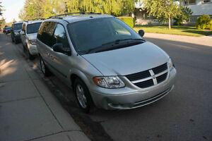 2007 Dodge Minivan Van, small town grandma driven well kept!