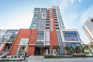 Live at LANSDOWNE PARK!! Large 2bed+den condo with views!!