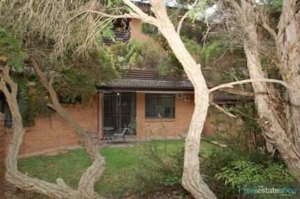 SPACIOUS APARTMENT IN A FANTASTIC LOCATION Chifley Woden Valley Preview
