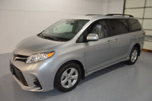 2019 Toyota Sienna Wheelchair minivan for sale