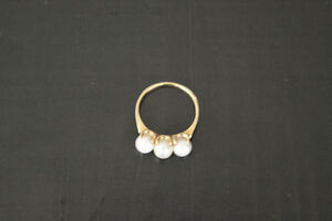 gold ring for sale with pearls
