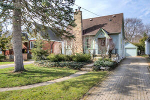 CHARMING 3 BEDROOM HOME IN OLD NORTH!! DONT MISS OUT