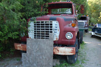 1972 Ford L900 Wrecker...