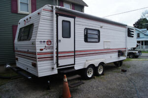 Price reduced 5th wheel camper