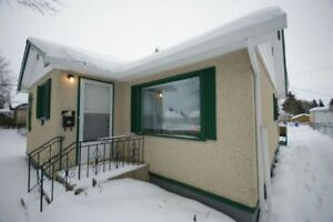 2 Bedroom House With a Garage Available!