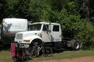 RARE FIND - 2001 International 4900 CREW CAB - only 38,000 miles