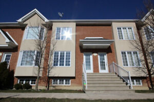 2-BEDROOM (7 1/2) TOWNHOUSE IN LAVAL H7R