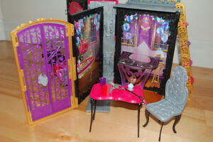 Ever After High Thronecoming  Playset