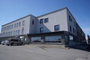 Local Commercial ou Bureaux Loft *1,500 ou 2,500 pi ca* (Office