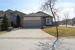 Immaculate Island Lakes Bungalow
