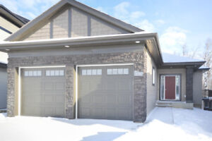 WALK OUT BUNGALOW, GRANVILLE, CLOSE TO HENDAY, NEW!