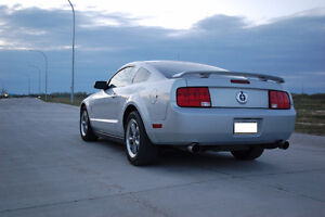 2006 Ford Mustang V6 Pony Package Coupe Manual(2 door)