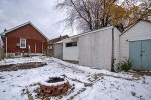 Cozy bungalow in Central London; a great investment! London Ontario image 17