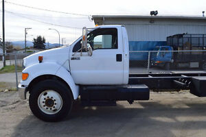 2013 Ford F-750 XLT Cab & Chassis with Flat Deck Trailer