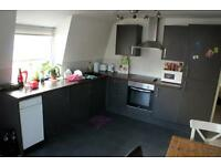 2 bedroom flat in Denmark Street, City Centre, BS1 5DQ