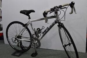 Vélo de route Felt zw100