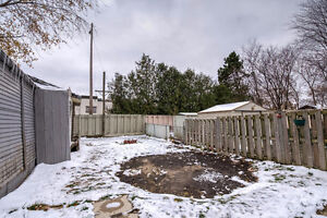 Cozy bungalow in Central London; a great investment! London Ontario image 18
