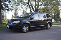 NEW PRICE! 2008 Chrysler Town & Country Touring Minivan, PREMIUM