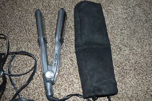 """Conair """"Platinum"""" Hair Straightener with Protective Bag"""