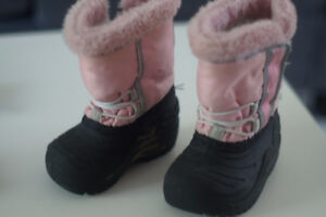 Pink winter boots size 4