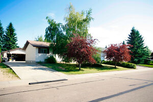 House for Sale in Great Neighborhood in Camrose - Eager to Sell!