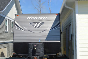 2017 Hideout Rear Dinette Travel Trailer