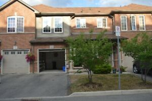 4 BED ROOMS + 2.5 BATHRROMS TOWNHOME