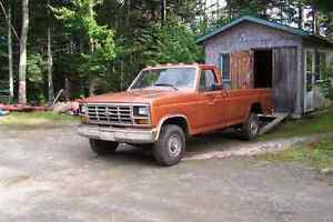 WANTED - 1972 to 1986 Ford F-150 4x4 West Island Greater Montréal image 1