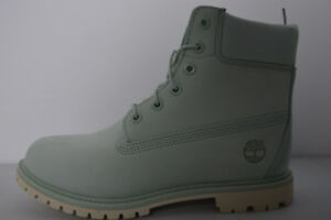 NEW TIMBERLAND 9.5US WOMENS 6IN LIGHT GREEN BOOTS REG $190