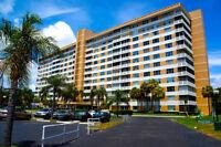 Chic condo 2 chambres à 55+ communauté Hollywood, en Floride