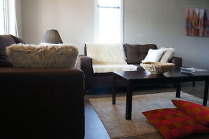 BROCK AND NIAGARA COLLEGE! ONE BEDROOM IS AVAILABLE!