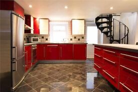 Spacious 2 Bed Split-Level House Central London 1000 sq. ft