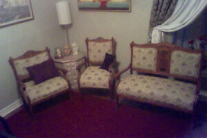 ANTIQUE RARE COLLECTABLE EASTLAKE SETTEE/LADY/GENTS CHAIRS!