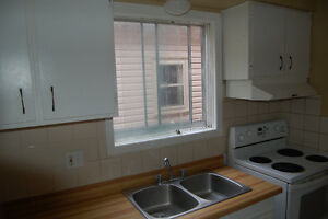 3 Bedroom Townhouse in OLD SOUTH London Ontario image 8