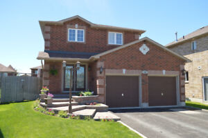 Single Family House / South East Barrie