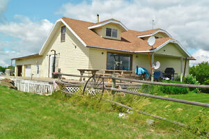 160 acres Ranch / Farm in South Sask. with furnished 4-BR home