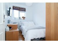 Single Room to Rent in Shared Flat in Southmead Road, Southfields SW19.