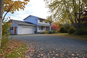 4 BED WATERFRONT - MOVE-IN READY - 20 MINUTES TO DARTMOUTH